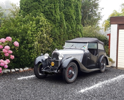 post-office-house-belford-vintage-car